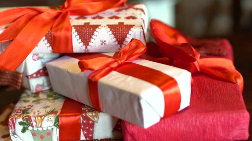 Baffled About Deciding The Perfect Gift For Birthdays? Read Along For Creative Ideas